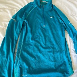NIKE dryfit sweater